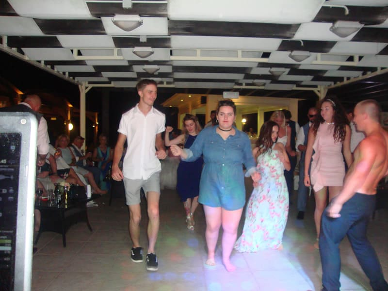 Mr & Mrs Drew - Tsambikos taverna