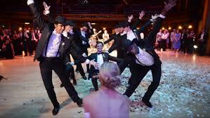 BEST groomsmen dance wedding ever 2016